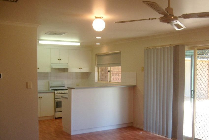 3 Coolibah Ave Craigmore 009