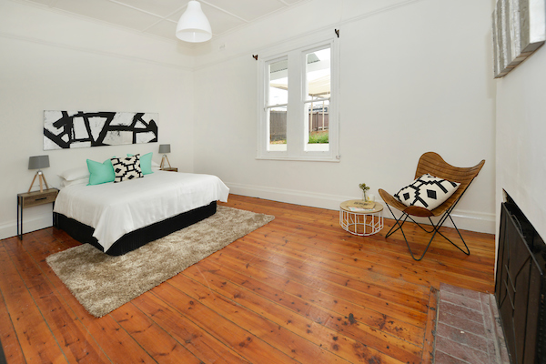 598 Seaview Road bed 1