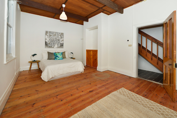 598 Seaview Road  bed 3