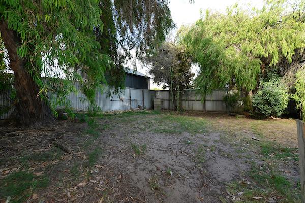598 Seaview Road yard