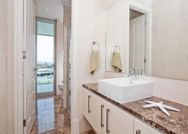 63 155 Brebner bathoom vanity