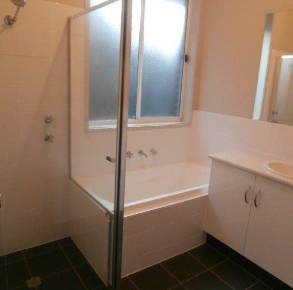 Bathroom  29b Glanville