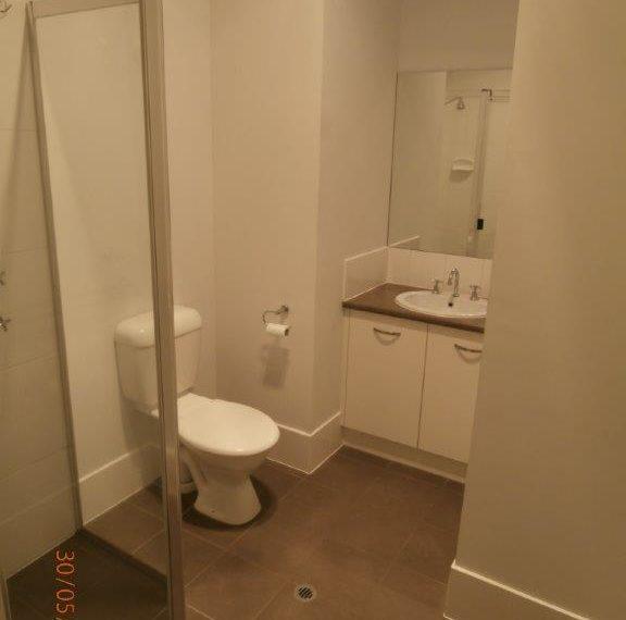 7 Gandy bathroom