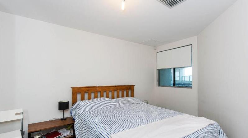 Bed - 17/1 Burt Ave